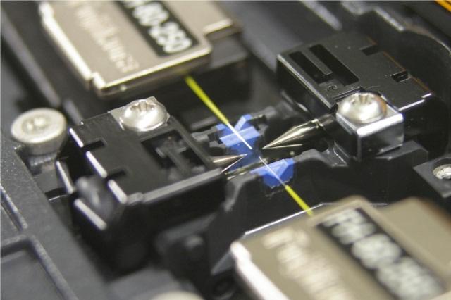 نحوه قرار گرفتن coreها در دستگاه فیوژن فیبر نوری